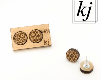 DOTS: Greek - Couple of lobe earrings made of engraved wood