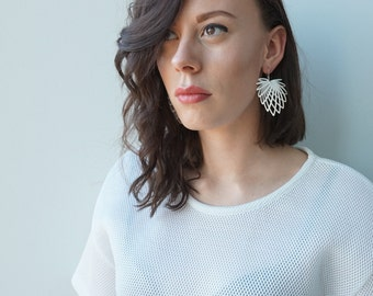 3D printed earrings 'Hollow Leaf' - white