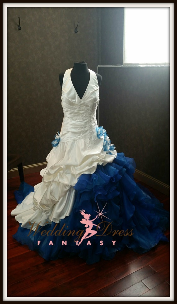 Dip dye white and blue wedding dress for Dyeing a wedding dress professionally