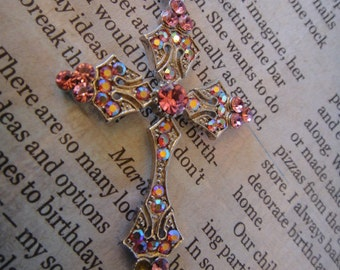 Vintage beautiful Cross Rhinestone Necklace Charm Pendant Necklace CROSS