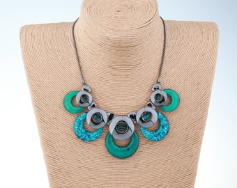 Green Necklace, Teal Necklace, Resin Necklace, Bib Necklace, Bridemaid Gifts, Choker Necklace, Women's Fashion Necklace, handmade Necklace