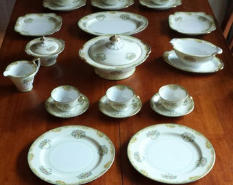 Vintage 1931 Noritake Claremont China (21 piece)