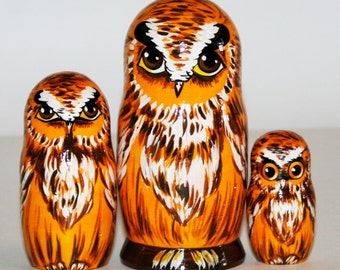 Nesting dolls forest owl. Russian matryoshka owls for kids, gift, decorate.  bird