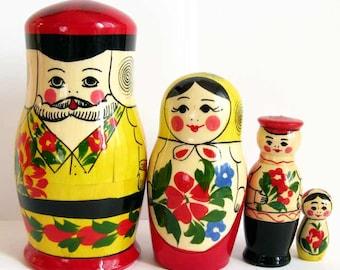 Nesting dolls Russian Family matryoshka - kod1017