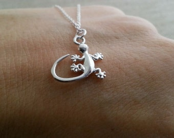 Gecko Necklace, Sterling Silver Lizard Necklace, Tiny Gecko Pendant, Small Lizard Charm, Animal Jewelry, Summer Necklace