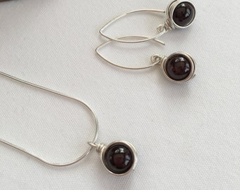 Garnet jewellery, Garnet with Sterling silver, Garnet necklace, Garnet earrings, birthstone jewellery, January birthday gift for her