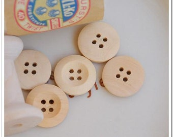 100pcs 18mm Round Wood Buttons 4 Holes Wood Sewing Buttons Wood Button NK0111