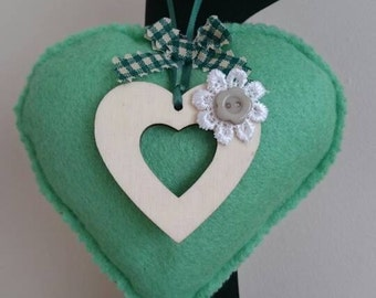 Green padded hanging gift heart.