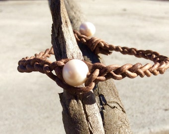 Pearl leather anklet