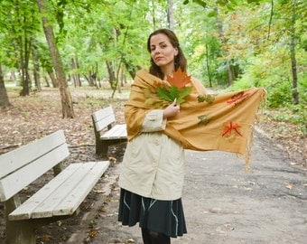 Golden autumn pashmina scarf with leaves
