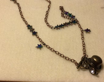 Magic hat and stars necklace