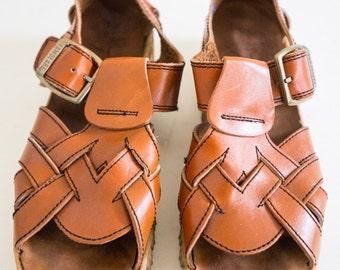 """Vintage 1970's """"Famolare"""" Sandels Sandels Size-8 1/2"""