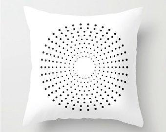coussin blanc noir housse de coussin noir et blanc coussin. Black Bedroom Furniture Sets. Home Design Ideas