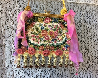 Roses Tapestry Silk  Flowers Shoulder  Vintage Purse Handcrafte