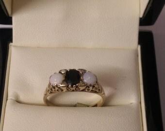 9ct Opal & Garnet Ring Size O