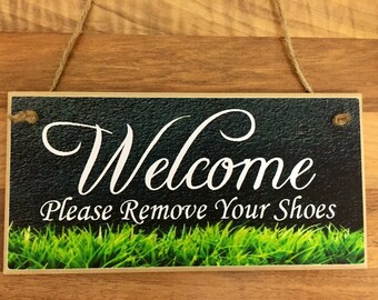 "Wooden Wall Plaque Sign "" Welcome"" Quote"
