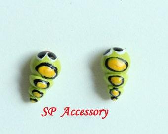 Miniature Worm Earrings, bug earrings clay, clay bug stud, clay earrings, green earrings