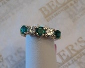 Stunning Vintage 14k yellow gold 3 Round Emeralds and 2 Round Diamond band ring, 1.00 tw J-VS2 size 4.5