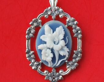 925 Sterling Silver Floral Design Blue Cameo Pendant