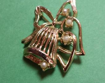 Vintage Dodds Bell Brooch