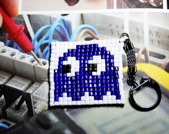 Pac-Man Ghost Seed Beads Keychain. 8bit Video Game Old School Key Ring. Blue and White Fobs. Handmade NES Keychain. Vintage Style. Pacman