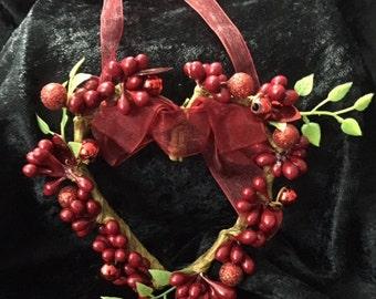 Mini Heart wreath Valentine's ornament
