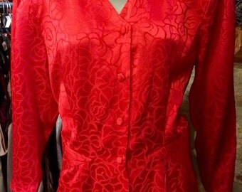 1980's silk blouse, with huge shoulder pads. Size M.