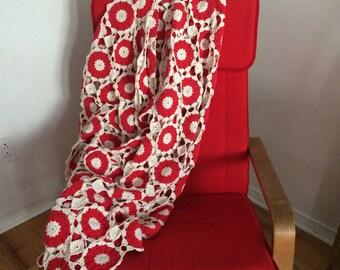 Amazing Valentine's Day vintage crochet blanket