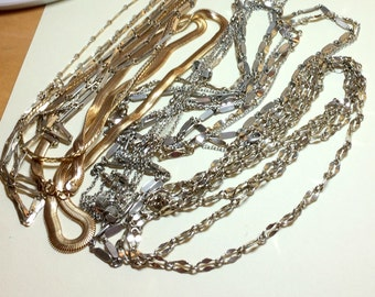 Nice lot of seven vintage metal chain necklaces, vintage chain lot, vintage necklace lot, vintage jewelry lot, all wearable CH9
