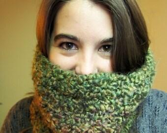 Fluffy Crochet Cowl