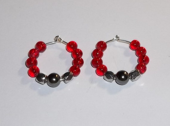 Red Glass & Hematite Beaded 20mm Hand Crafted Silver Hoop Earrings