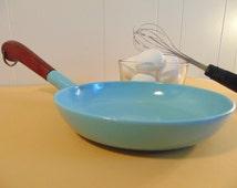Vintage Cast Iron Enamel Skillet - Prizer-Ware - Robins Egg Blue - Turquiose- Farmhouse Kitchen - Country Kitchen