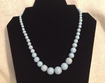Vintage Graduated Bead Choker Necklace in Pale Turquoise