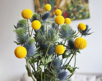 dried thistle with craspedia bouquet, Wedding bouquet, Preserved flower for decoration, a bunch of dried real flower, flower arrangement