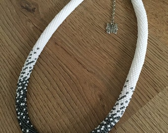 Rope crochet necklace - BLACK & WHITE