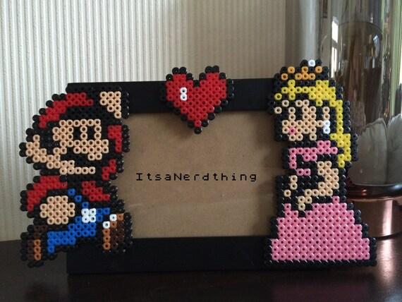 Mario and peaches photo or picture frame perler hama - Hama beads cuadros ...