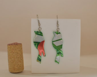 Bird earrings made from 7Up can