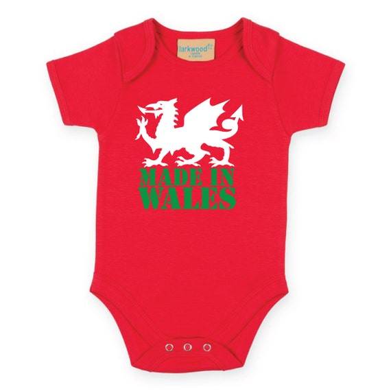 Made in Wales Baby Grow. Welsh Dragon Cymru Baby Grow. Welsh Baby Grow. Baby Bodysuit. Baby Onesie. Baby Gift. Welsh Newborn Gift.