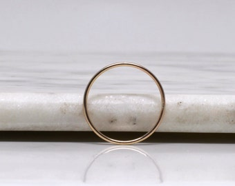 Solid 9ct rose gold fine gold band
