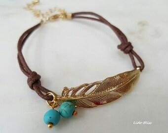 Feather Pendant Bracelet