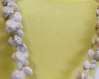 cluster shells vintage beaded necklace