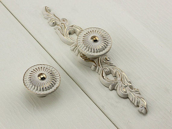 Kitchen Cabinet Door Knobs Back Plate Shabby Chic Dresser Knob