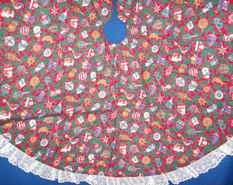Old Fashioned Ornament Reversible Tree Skirt