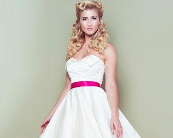 Satin 50's Wedding Dress, winged neckline, strapless, ivory, vintage, classic, full circle skirt, pink zip, 1950's