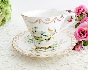 Vintage Collingwoods Teacup: English Tea Party Teacup, Pretty Teacup, Floral Teacup, Vintage Teacup