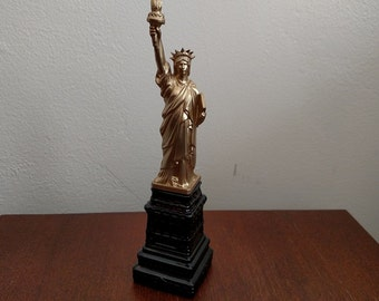 Avon Statue of Liberty Decanter