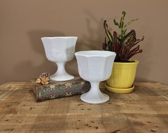 Set of Milk Glass Bowls / Vintage Milk Glass Vases / Vintage Flower Vase / Wedding Vases / Wedding Centerpiece / White Vases