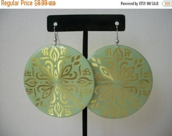 ON SALE Vintage Over Sized 1970s Funky Mint Gold 3D Effect Big Disc Dangle Earrings 60816