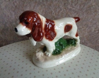 Vintage 1970's Kingston Pottery Spaniel hunting  dog ornament/figurine