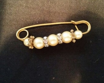 Vintage Safety Pin Style Ladies Pin